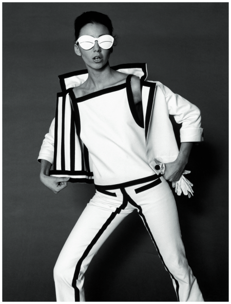 op-art-fashion-by-courreges-photo-f-c-gundlach