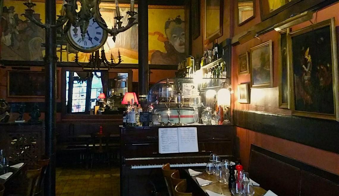 Most ancient restaurant in Montmartre