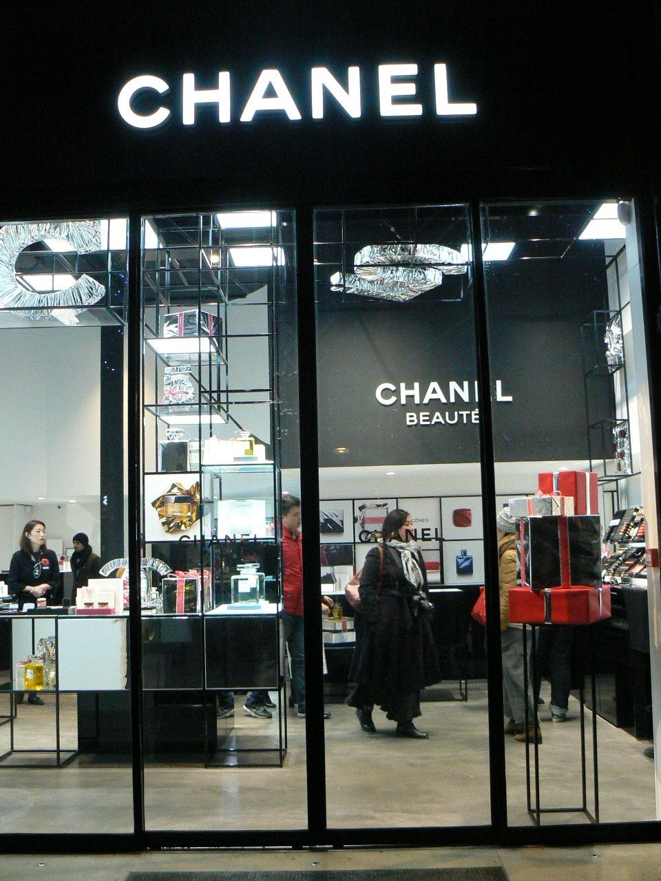 Chanel, Avenue Montaigne