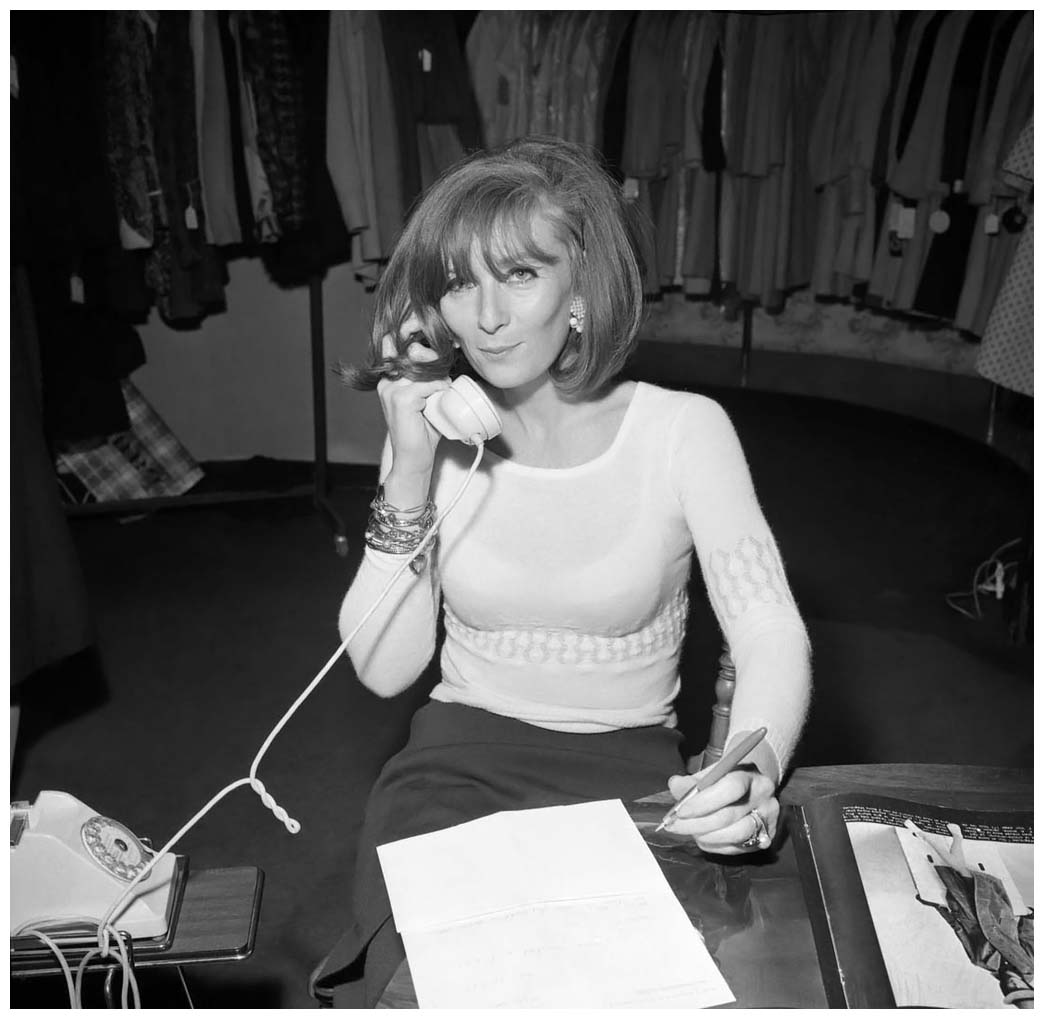 Sonia Rykiel in her store, Paris, 4 juin 1965, photo by Roger Viollet