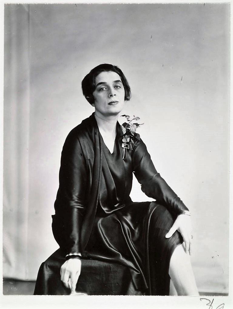 P1984.35.453; Abbott, Berenice (1898-1991); Princesse Marthe Bibesco; 1927; Gelatin silver print; Amon Carter Museum, Fort Worth, Texas